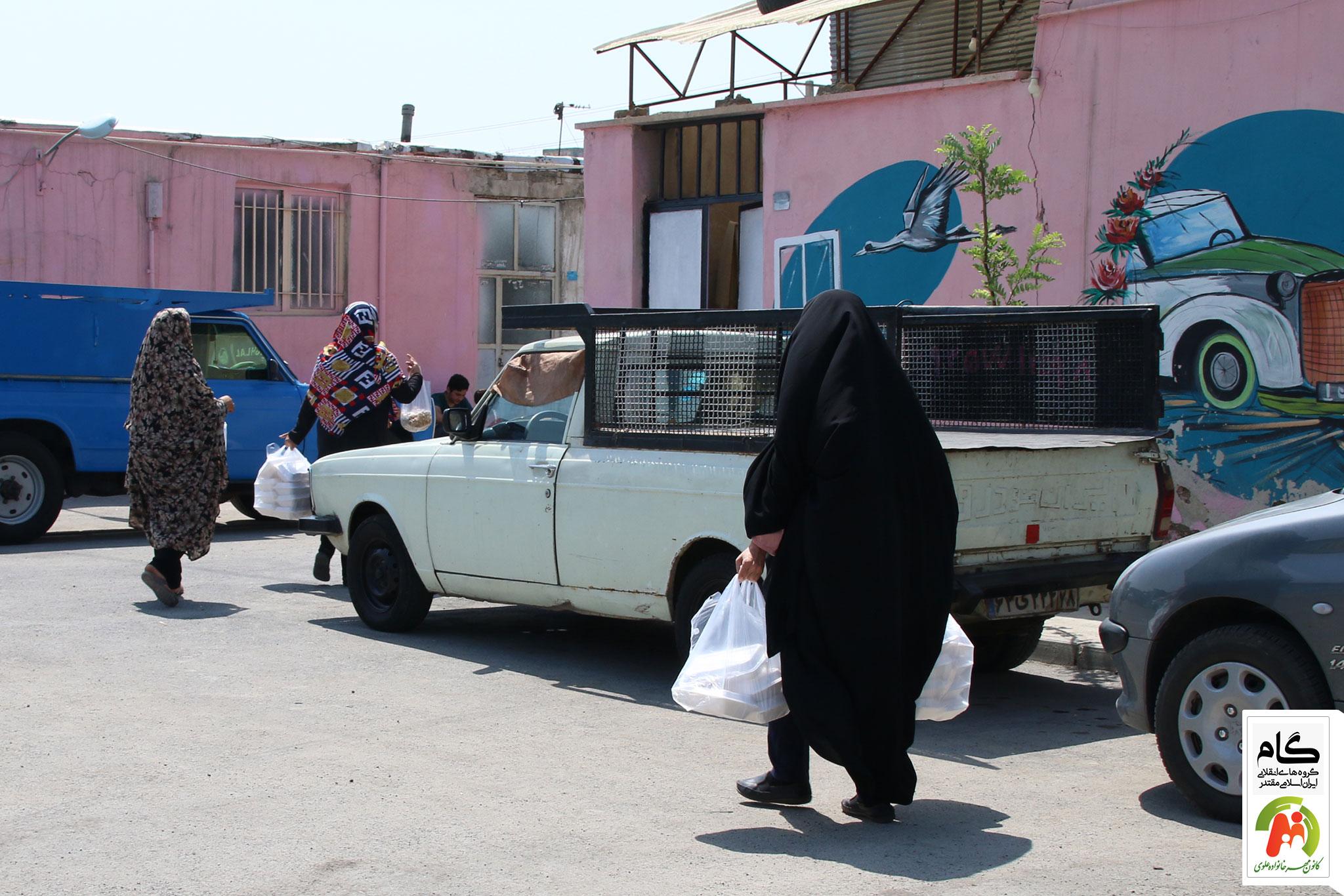 توزی غذا توسط خیرین و همراهان جهادی