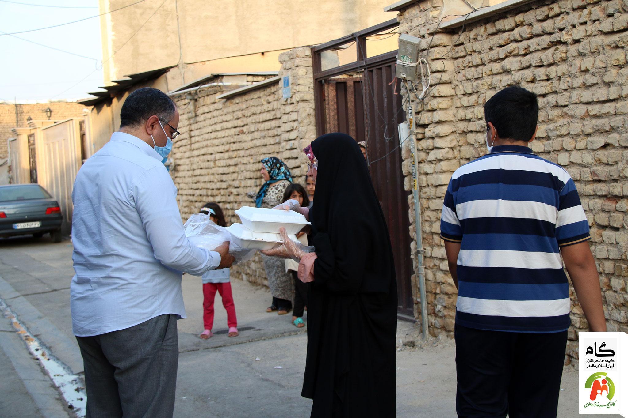 توزیع غذا در روستاهای اطراف تهران